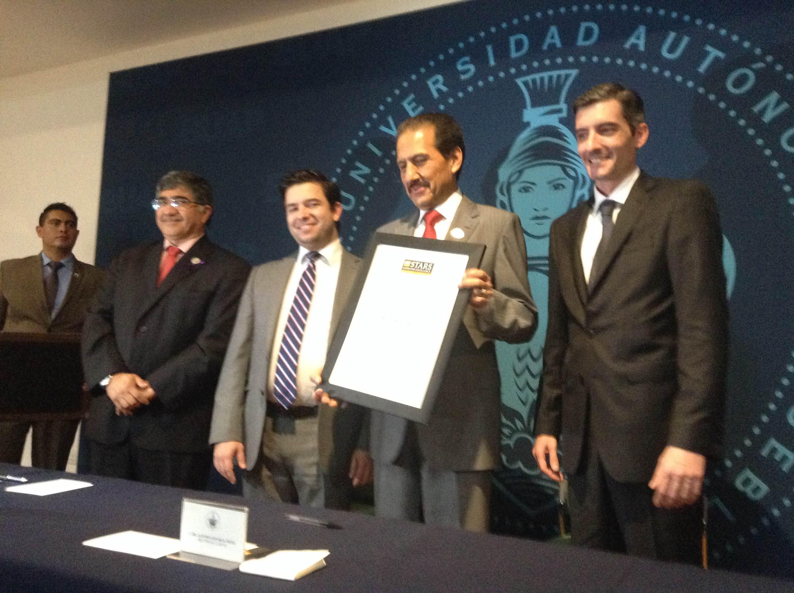 Por calidad académica e innovación reconoce QS Stars  a la BUAP