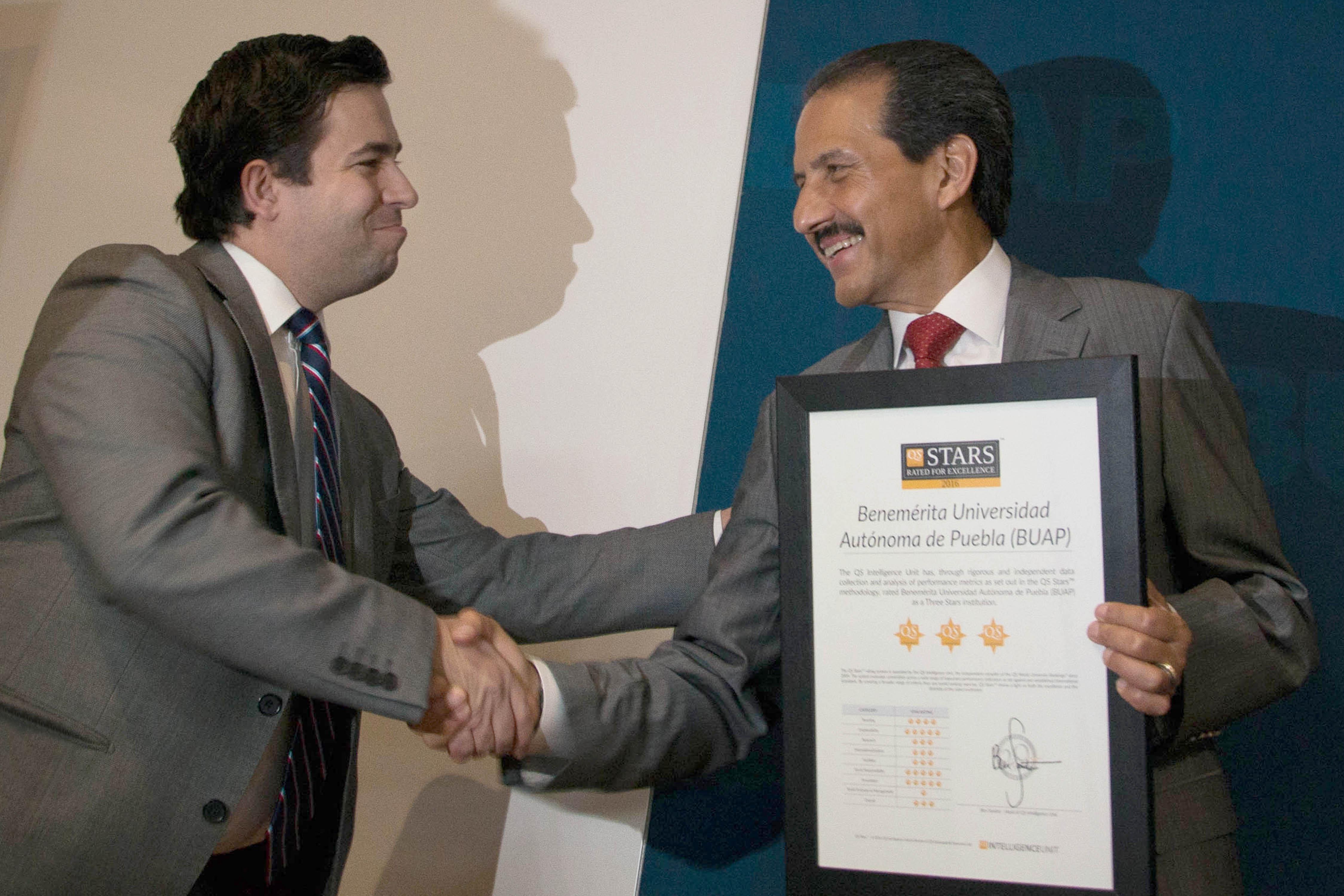 BUAP única en México con 5 estrellas en rubro de innovación QS Stars