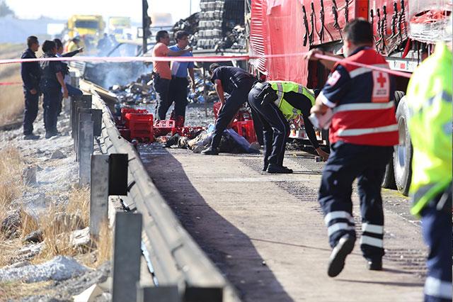 Carambola deja 9 muertos en Amozoc y podrían ser más