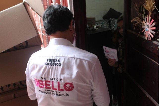 El químico Bello presenta a su planilla en Teziutlán