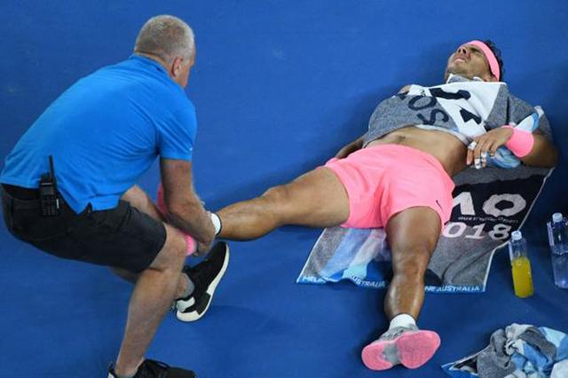 Otra más: Rafael Nadal se lesiona y abandona Australia