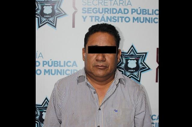 Policía de Puebla detiene a culpable de robo de vehículo