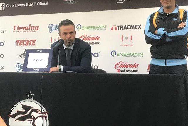 De héroe a villano: Rafa Puente es baja del club Querétaro