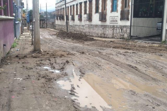 Lenta rehabilitación de la 2 oriente en San Pedro Cholula