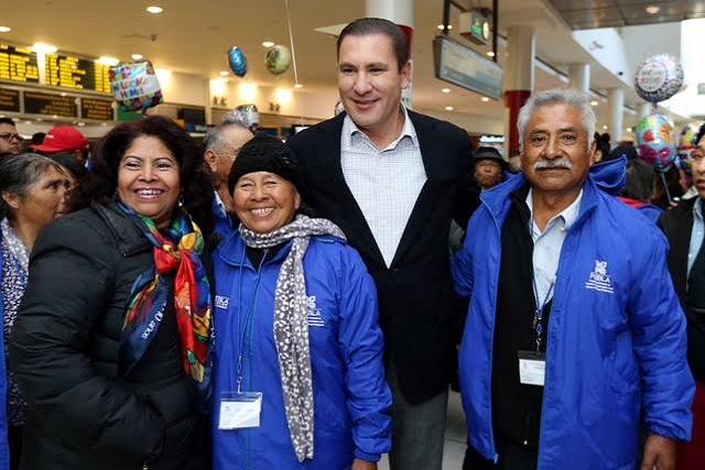 Repite Puebla plan para reunir a adultos con sus familias en EU