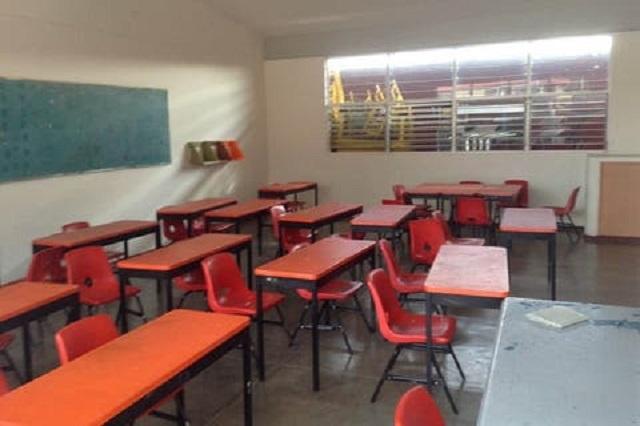 Clausura la SEP servicios de escuela en Tehuacán