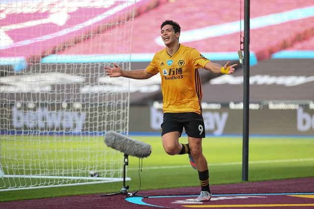 Raúl Jiménez imparable: anota de cabeza y da victoria a los Wolves