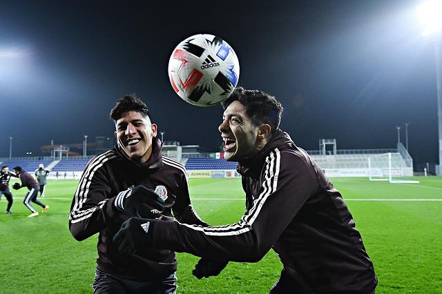 Raúl Jiménez se instala dentro del Top 10 de goleadores del Tri