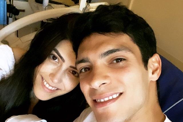 Ya nació Arya, la hija de Raúl Jiménez y el futbolista comparte foto