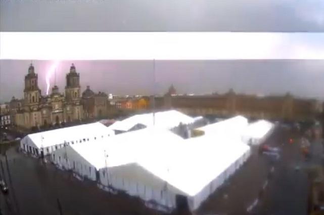 Publican video del rayo que cayó en la Catedral Metropolitana