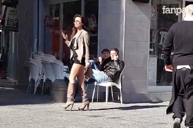 Modelo seduce a hinchas: Si gritas Forza Madrid, te enseño las tetas