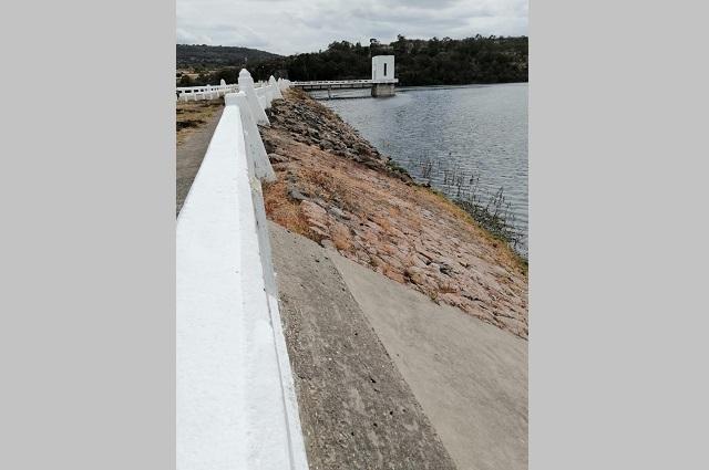 Dan mantenimiento a presas de Valsequillo y Boqueroncitos