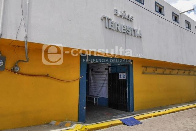Pese a semáforo, reabren baños y peluquerías en Cuautlancingo
