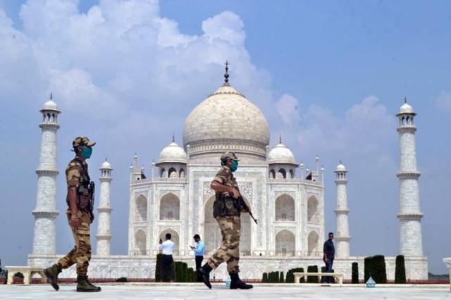 India reabre el Taj Mahal pese a sus 100 mil casos diarios de Covid-19