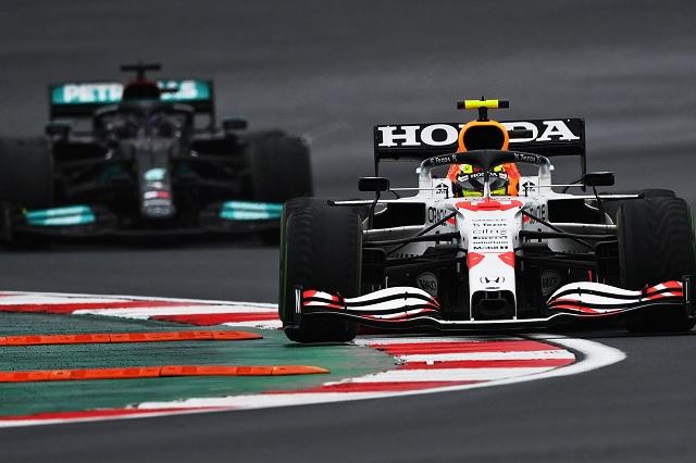 Checo imbatible: así fue su increíble bloqueo a Hamilton en el GP de Turquía