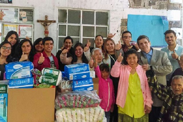 Alumnos UDLAP recaudan apoyo para asilo de ancianos y estancia