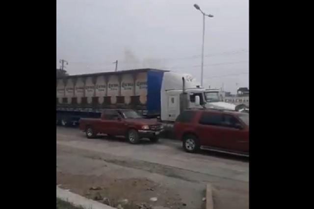 Con aplausos y porras: así recibireron a camiones de cerveza en Tamaulipas