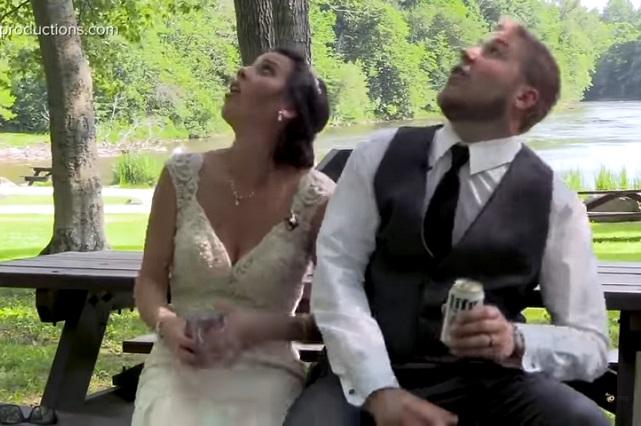 Recién casados estuvieron en peligro de morir aplastados por una rama