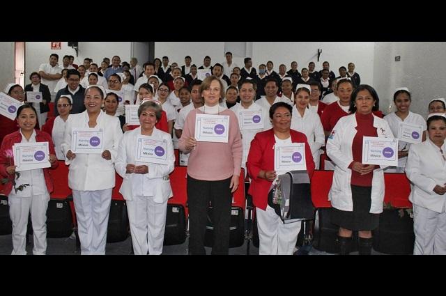 Cruz Roja ciudad de Puebla reconoce labor de enfermeras y enfermeros