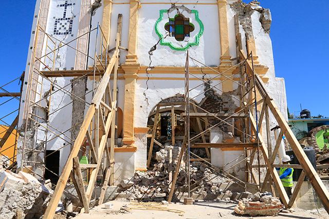 Aún reconstruyen 6 de cada 10 templos dañados en Puebla el 19S