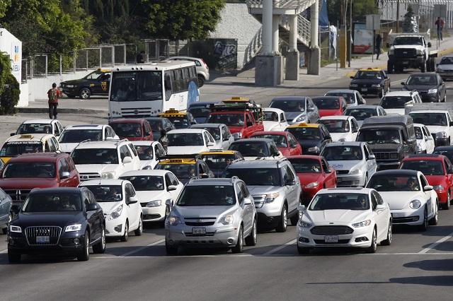 Falso que vehículos de Puebla puedan ser verificados en CDMX