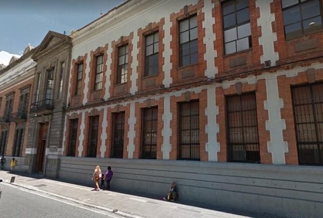 Por oneroso, gobierno pide venta de edificio de Reforma 710