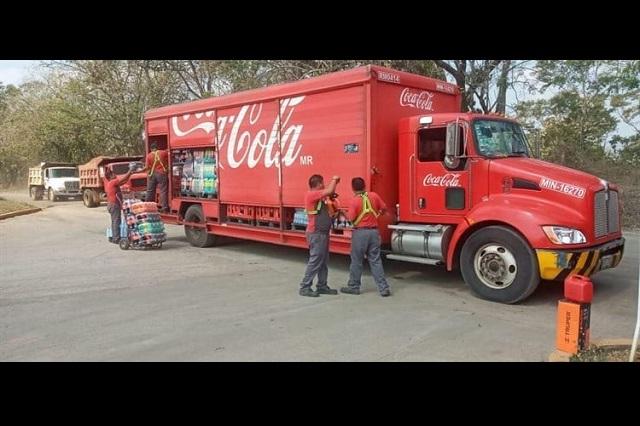 Envían tareas escolares por redes y por camión refresquero