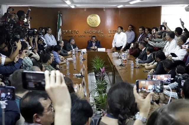 Denuncia el PAN  a legisladores por apoyar a Barbosa en horario laboral