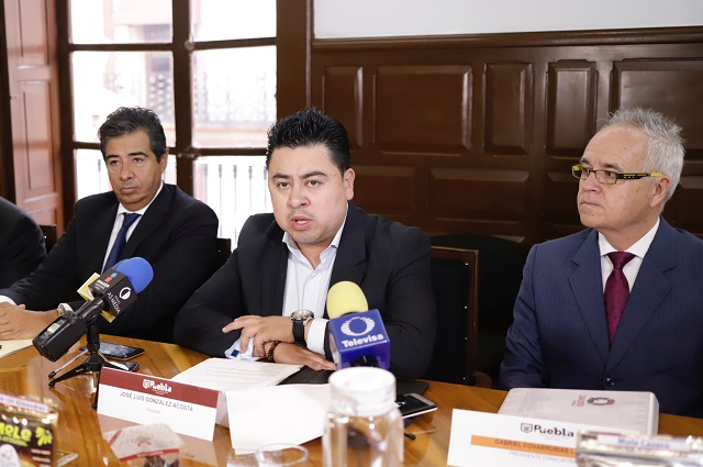 Si no atrae inversiones, regidor de Puebla pagará su viaje a Polonia