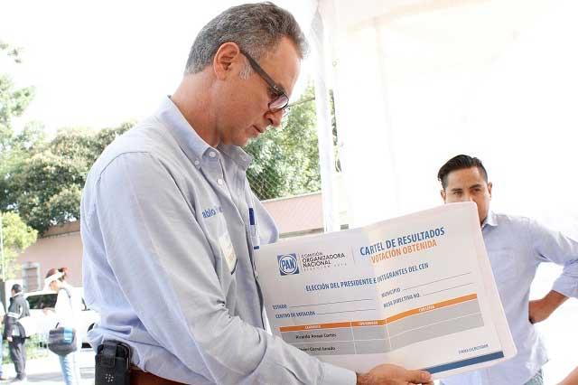 Regordosa insiste en ser dirigente y senador del PAN en 2018