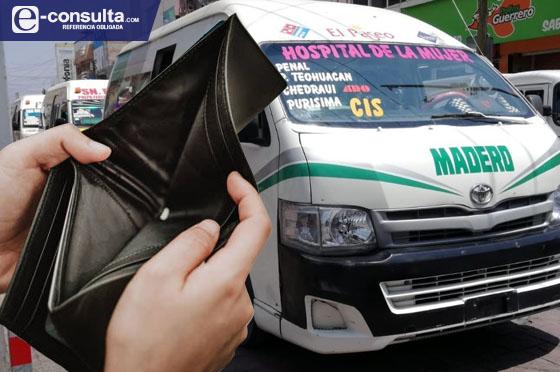 Por falta de pago regresan 200 combis a agencias de Tehuacán