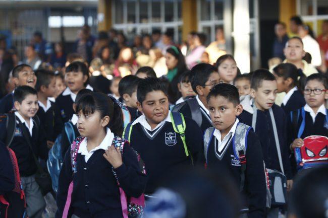400 alumnos toman clases en casas; aulas no han sido reconstruidas