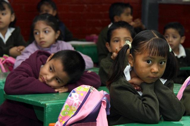Sin mobiliario ni equipamiento, buena parte de escuelas de México: INEE