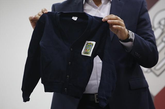 Descalifican a 3 empresas para vender uniformes en Puebla