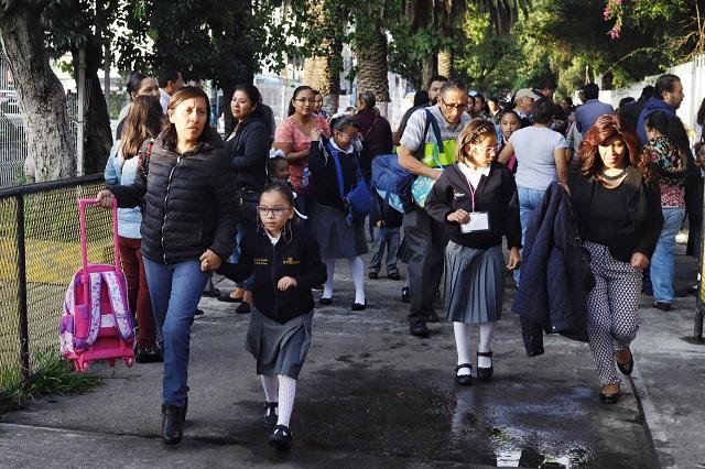Alargarían dos semanas el ciclo escolar en Puebla por Covid-19