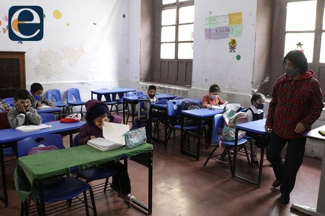Hay casos sospechosos de covid en 17 escuelas: SEP