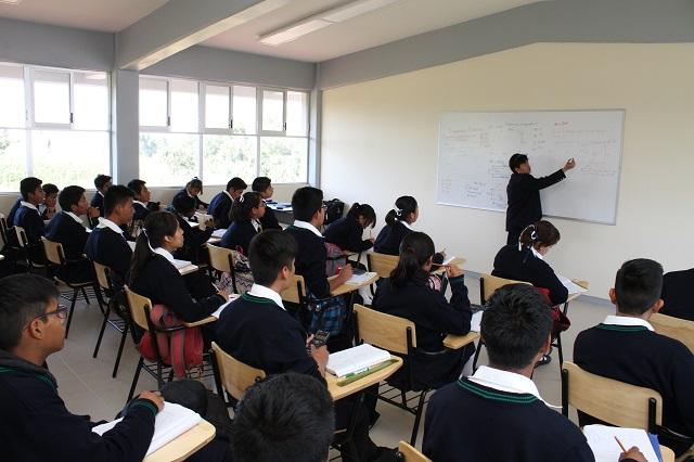 Regresan a clases 1.5 millones de estudiantes en Puebla, el lunes