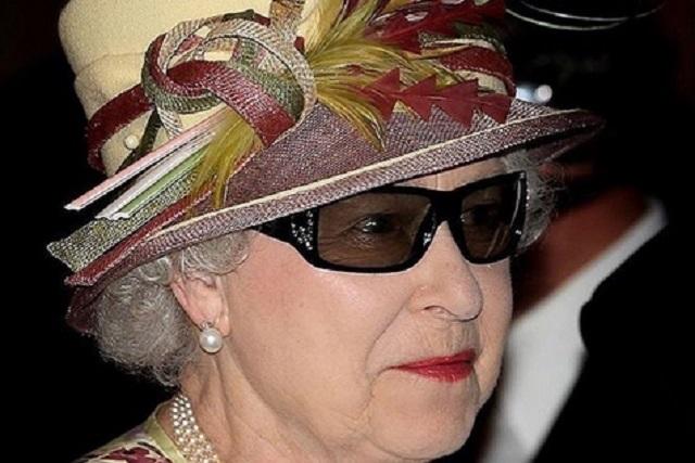 La Reina Isabel II rompe el protocolo por esta razón