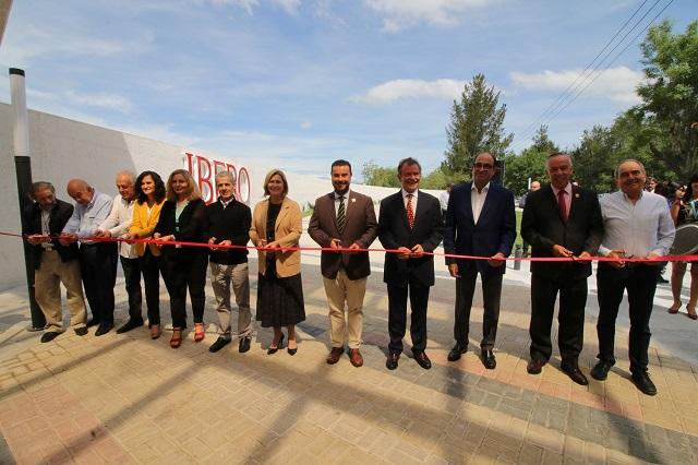 Reinauguran entrada principal con programa de seguridad en Ibero Puebla