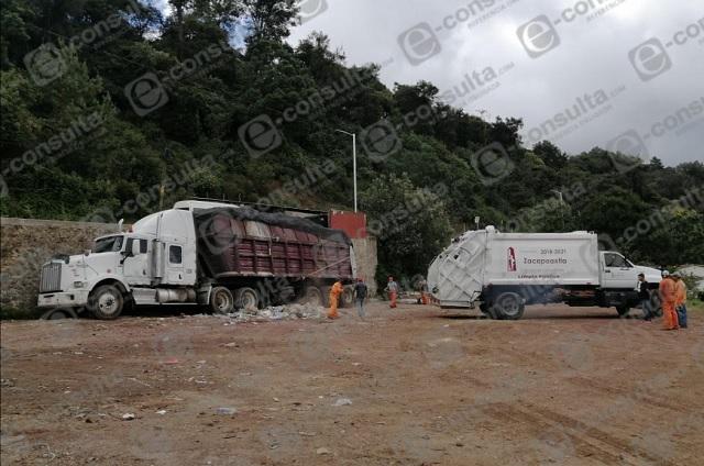 Zacapoaxtla lleva basura a Tlaxcala tras cierre de relleno en Cuyoaco