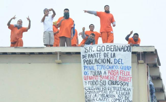 Internos del penal de Topo Chico protestan contra altos mandos