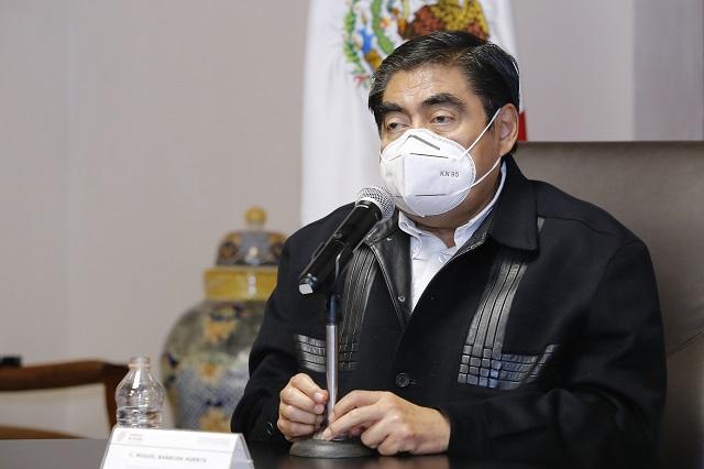 Bares y antros de Puebla seguirán cerrados, responde Barbosa