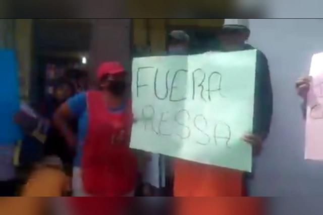 Recolectores y recicladores se manifiestan contra RESSA en Texmelucan