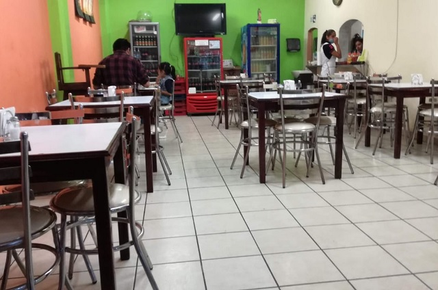 Confinamiento golpea otra vez economía de restaurantes en Tehuacán