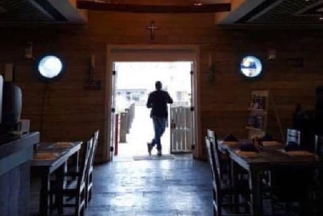 Abro hoy o cierro para siempre, advierte restaurante Muellezito en Facebook