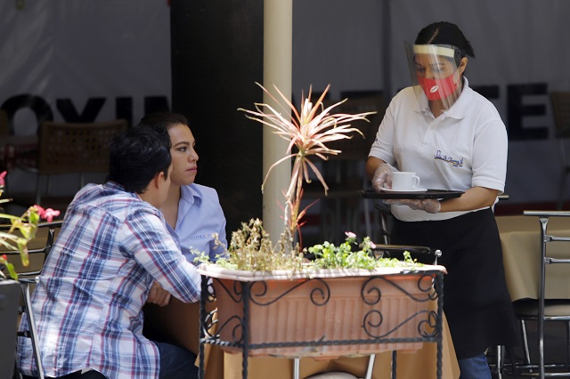 Reabren restaurantes en Puebla sólo con aforo reducido