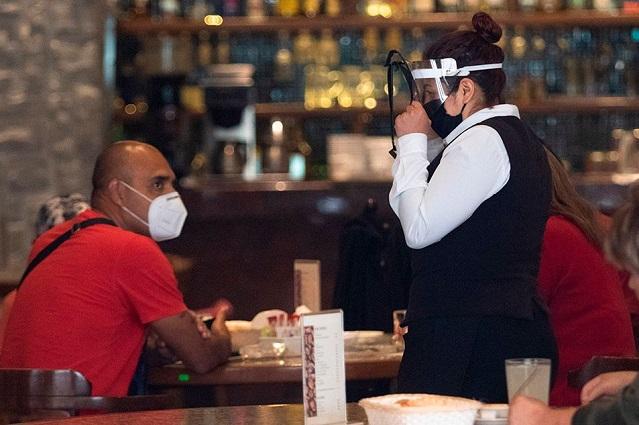 Reabren restaurantes en CDMX con restricciones sanitarias