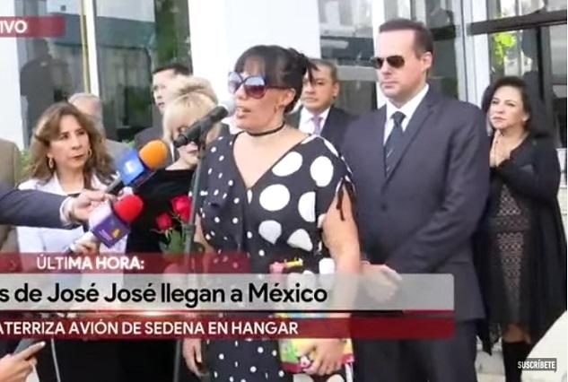 Llegan los restos de José José a México: lo logramos, dice José Joel
