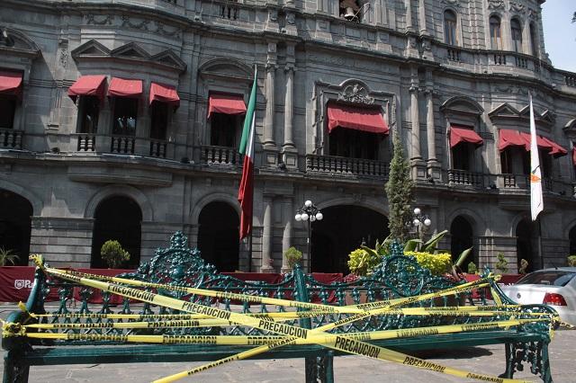 Cierran parques públicos del Centro Histórico de Puebla