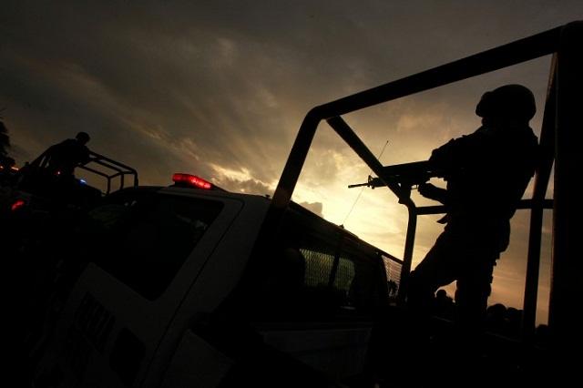 Trasladan a Tepexi a los policías detenidos en Texmelucan